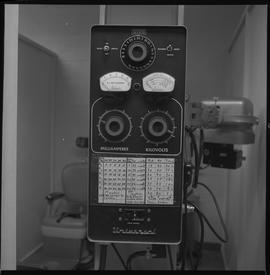 Medical radiography; switchboard for a piece of radiography equipment