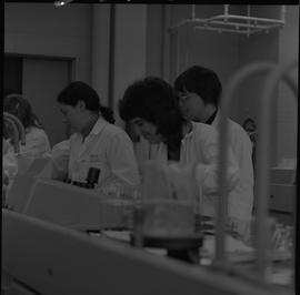 Medical laboratory technology, 1968; students working in a medical lab [10 of 11]
