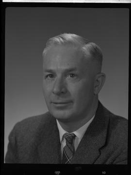 Hopkins, John, Electronics, Staff portraits 1965-1967 (E) [5 of 5 photographs]