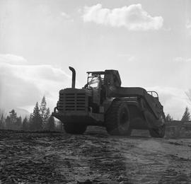 Heavy duty equipment operator, Nanaimo ; the back of an Allis-Chalmers 260 scraper