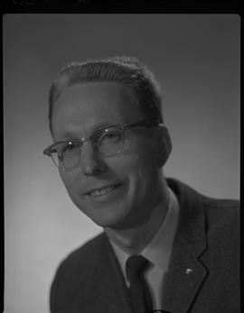 Mitchell, Gordon, Forest Products Utilization, Staff portraits 1965-1967 (E) [2 of 4 photographs]