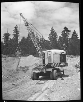 Heavy duty equipment operator, Nanaimo ; Lorain crane ; forest in background