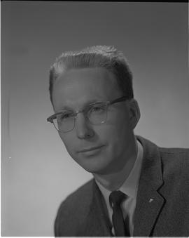Mitchell, Gordon, Forest Products Utilization, Staff portraits 1965-1967 (E) [1 of 4 photographs]
