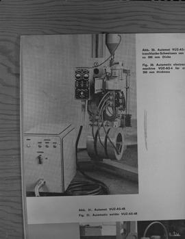 Welding, 1967; picture from a book of welding equipment ; picture description in German and English