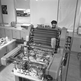 BCVS Graphic arts ; man working at a printing press [1 of 2]